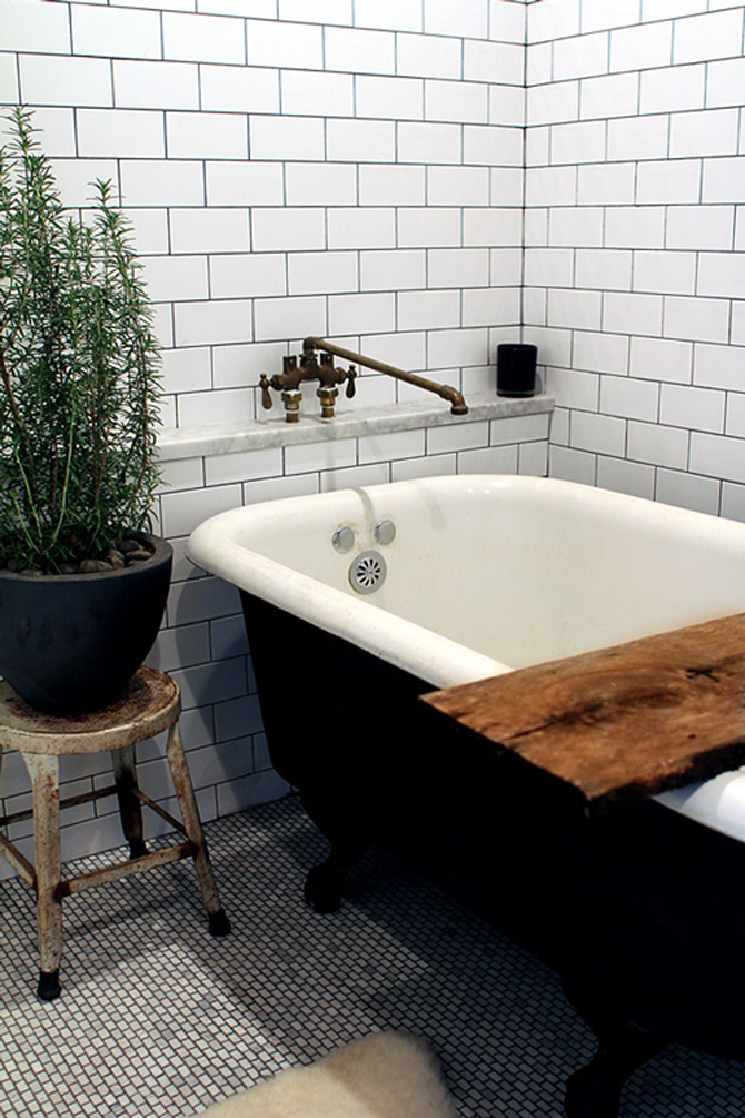 Luxury bathrooms new york style cast iron bath for Bathtub in bathroom