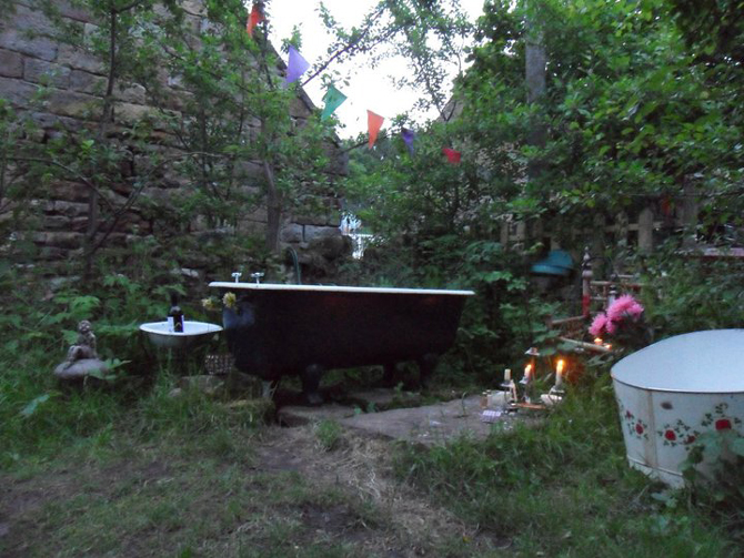 Bathed In Starlight With An Outdoor Cast Iron Bath Cast
