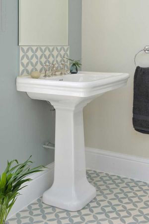 The Cast Iron Bath Company - Tavy Large Basin and Pedestal