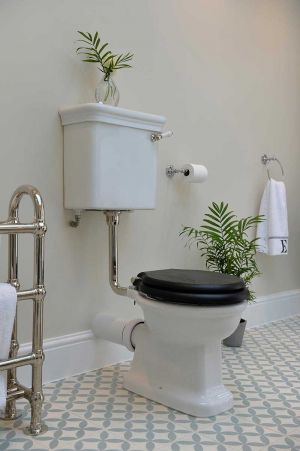 The Cast Iron Bath Company - Tavy Pan and Low Level Cistern In White